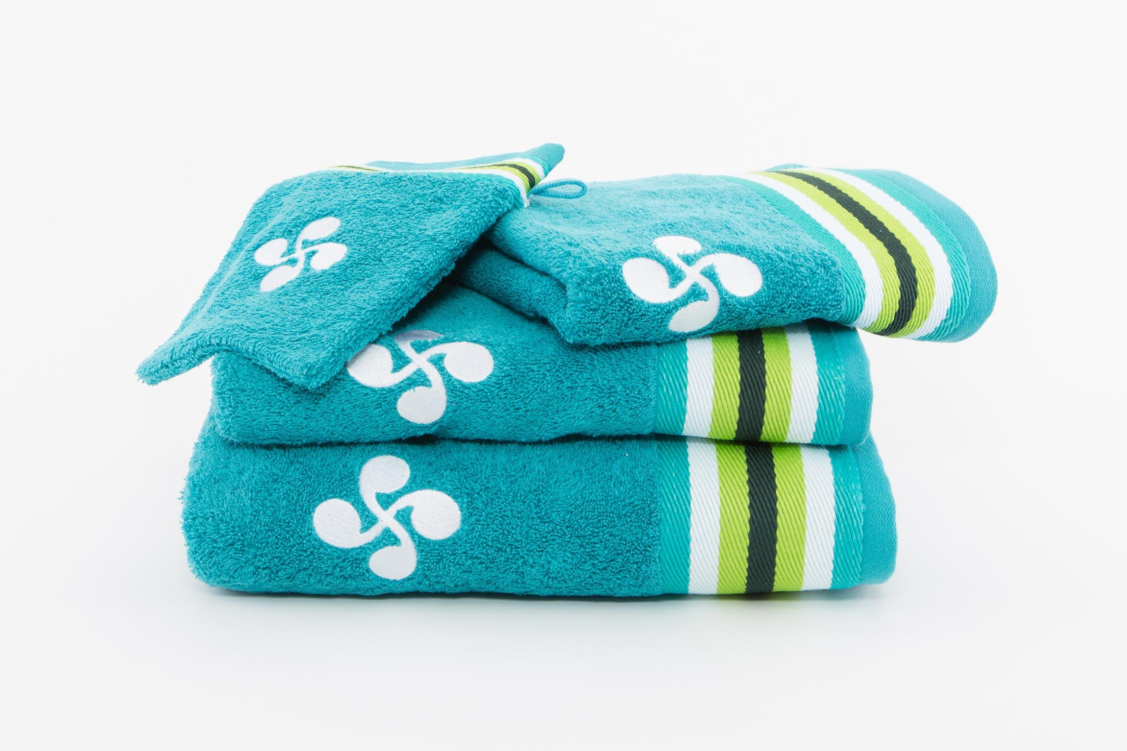 drap de bain turquoise galerie de garazi. Black Bedroom Furniture Sets. Home Design Ideas