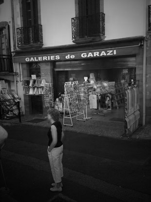 Le magasin Galeries de Garazi à Saint Jean Pied de Port